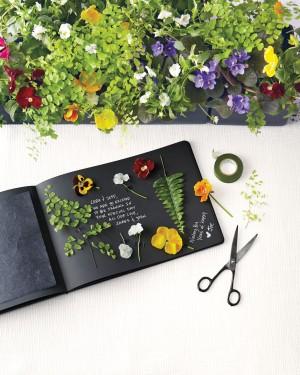 guest-book-garden-247-d111649_vert